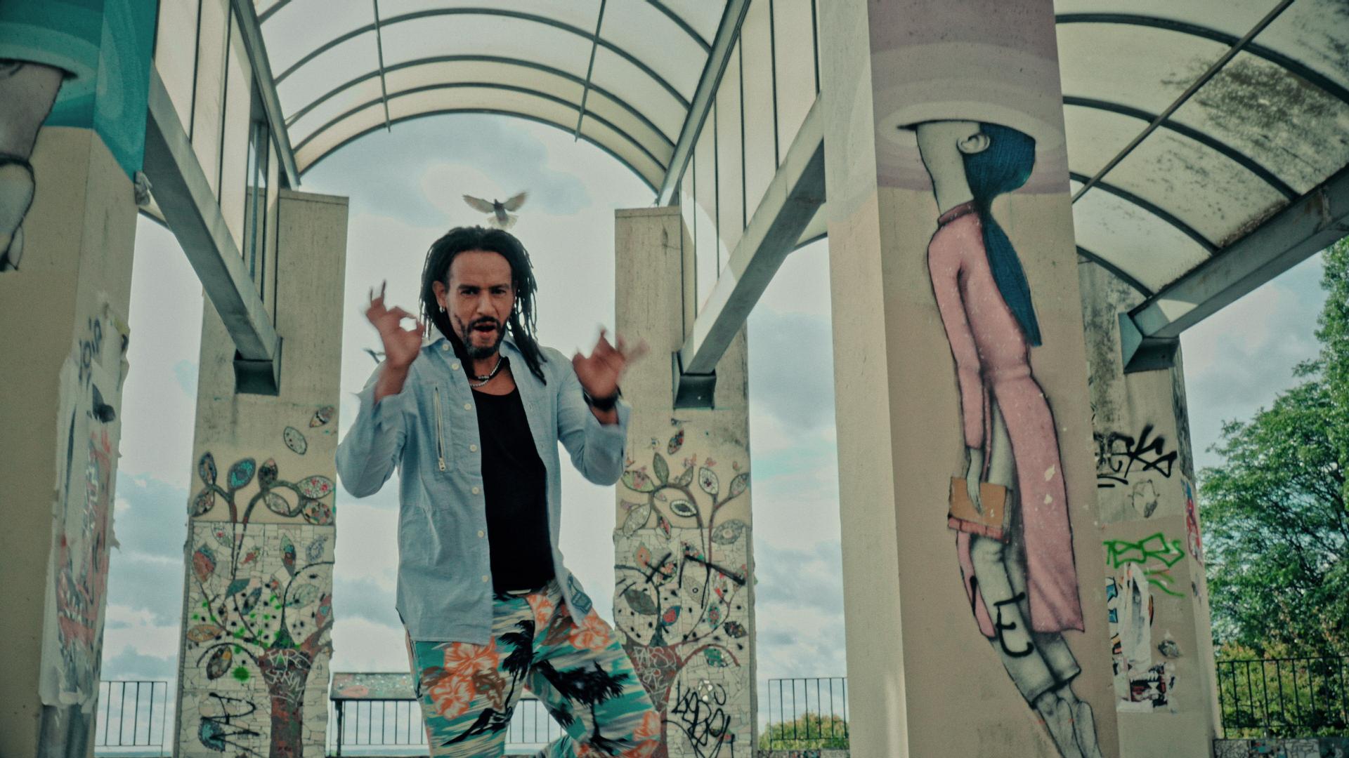 """""""Différents, Et Alors"""" 2019 – Adamo Sayad – Soleil – Roméo Elvis"""